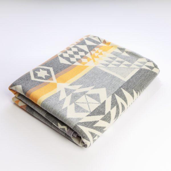 arrowhead blanket grey