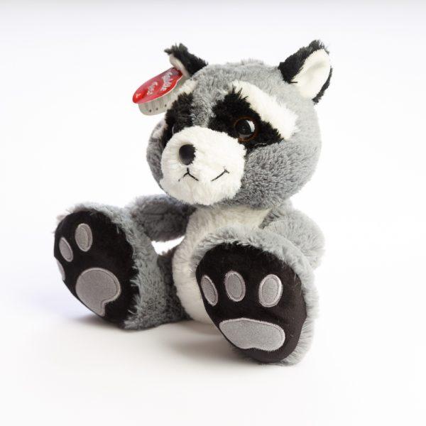 feet raccoon