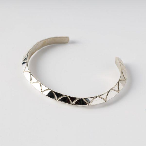 albertine crow shoe rounded triangle bracelet