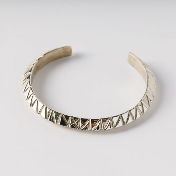 albertine crow shoe small triangles bracelet